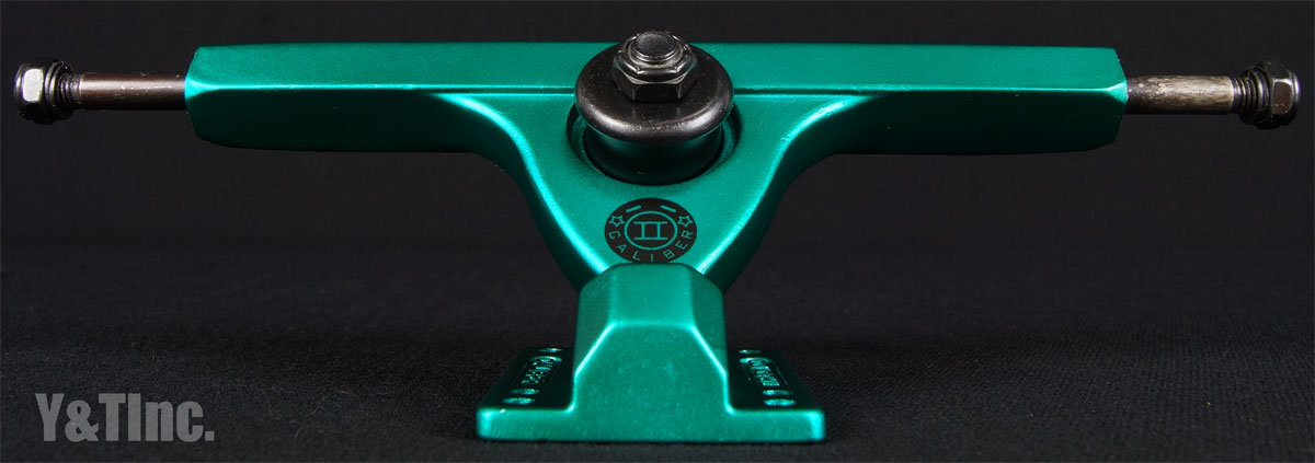 CALIBER 2 10 FORTY FOUR MIDNIGHT SATIN GREEN 3