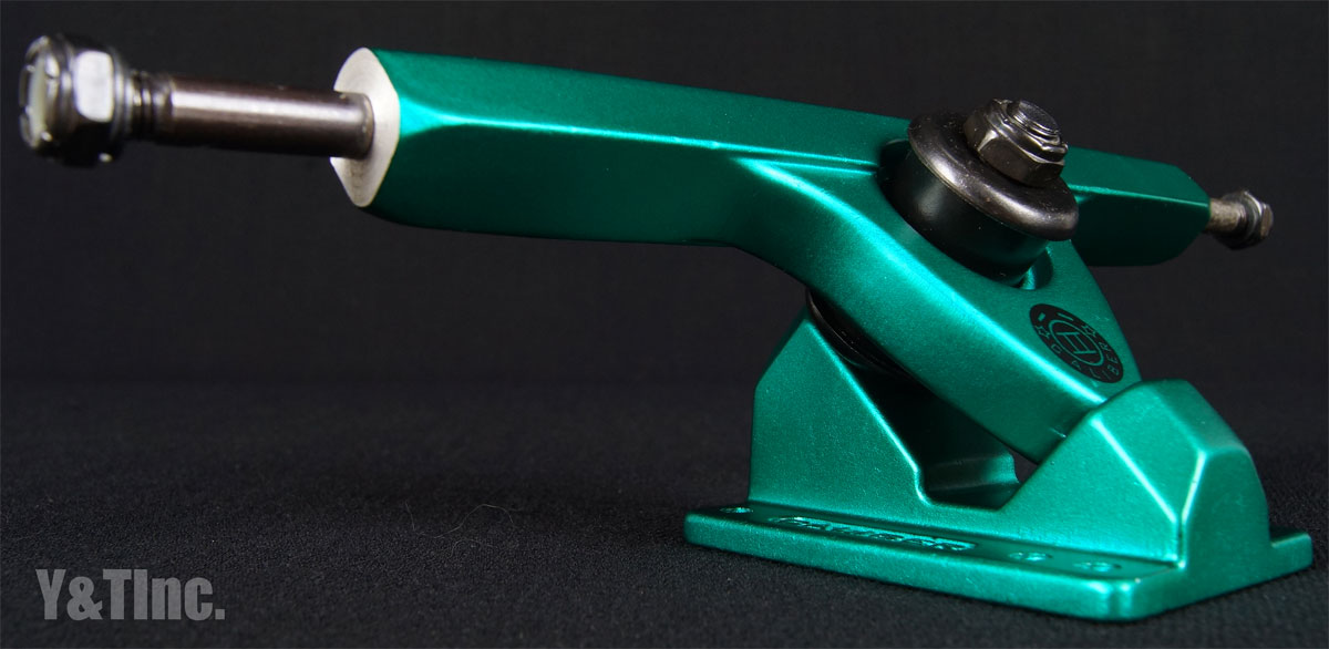 CALIBER 2 10 FORTY FOUR MIDNIGHT SATIN GREEN 1